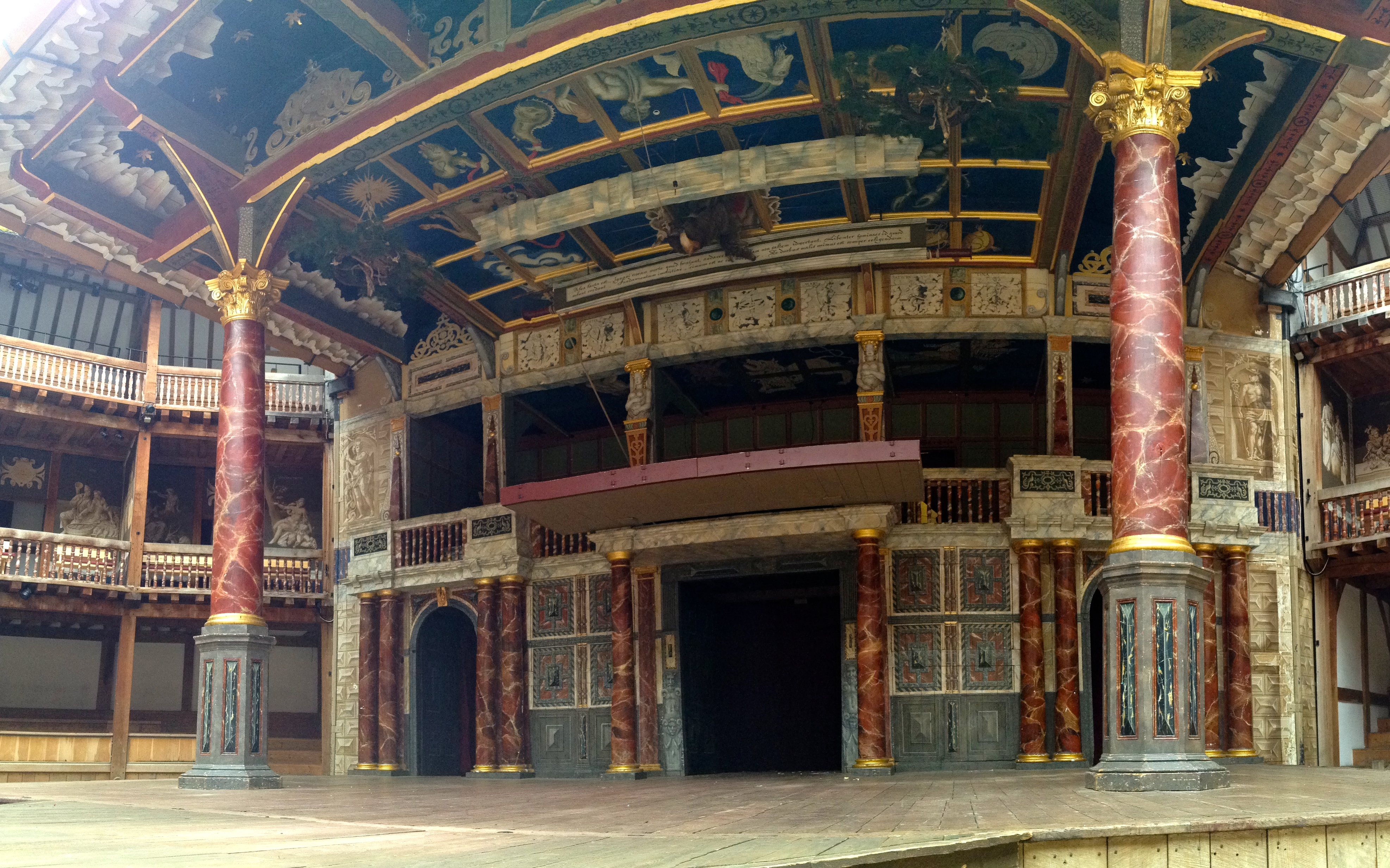 theatre of shakespeare s london Exploring the context of shakespeare's theater and the theater experience in shakespeare's lifetime gives you a fuller understanding of his plays.