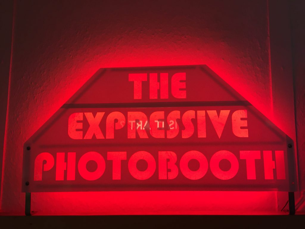 novelty-automation-expressive-photobooth