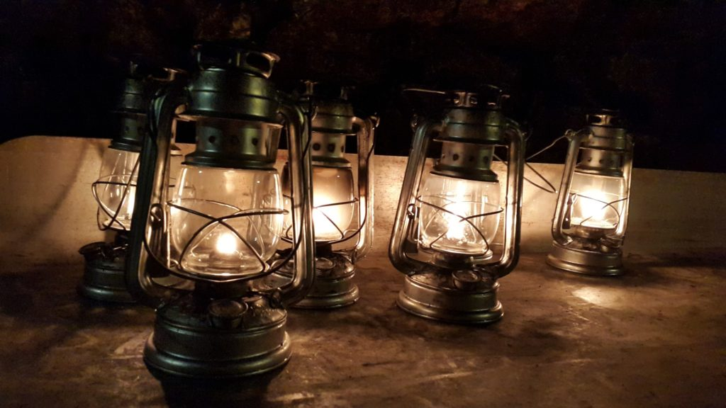 Kerosene lanterns in Chislehurst Caves